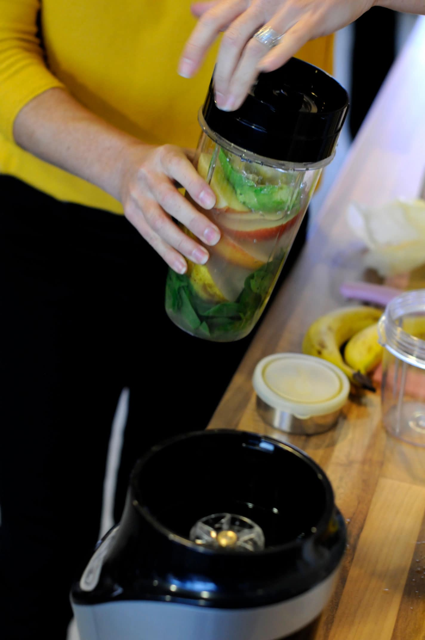 healthy green juice making